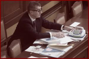 Ministr financí Andrej Babiš 11. prosince v Praze na mimořádné schůzi Poslanecké sněmovny, která jednala o elektronické evidenci tržeb.