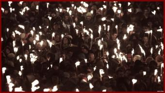 crowd_torch
